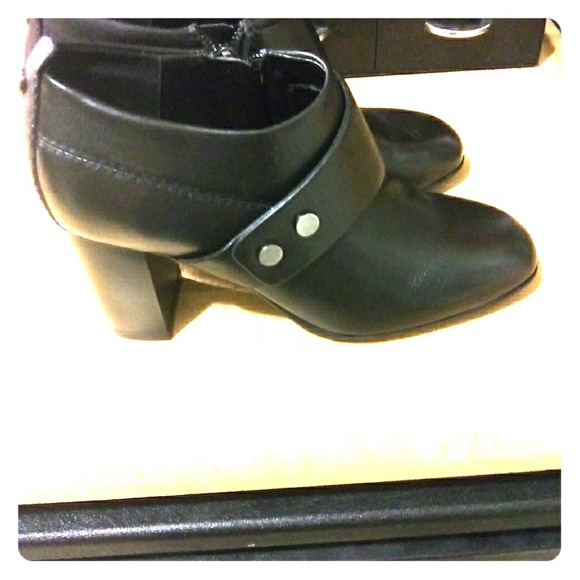 6eb1239ad65 Black Leather Easy Spirit Ankle Boots From Macy's. Easy Spirit.  M_5be187278ad2f989d159c1de. M_5be1872b2e147801d0d2ebe9.  M_5be1872e7386bc38a03a8cca